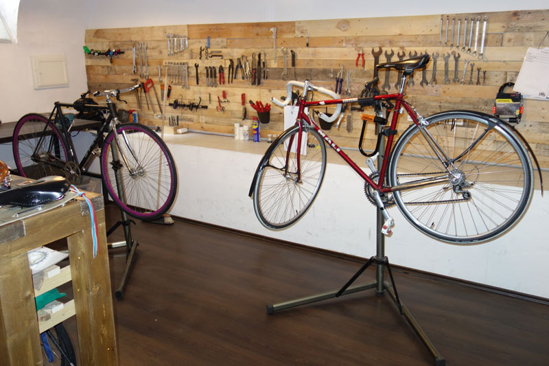 egyedi-bringa-bicikli-mikrohitel